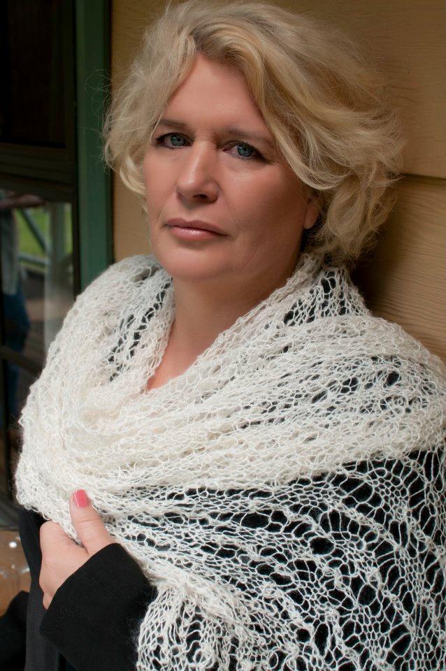 Cooks Arm natural alpaca shawl